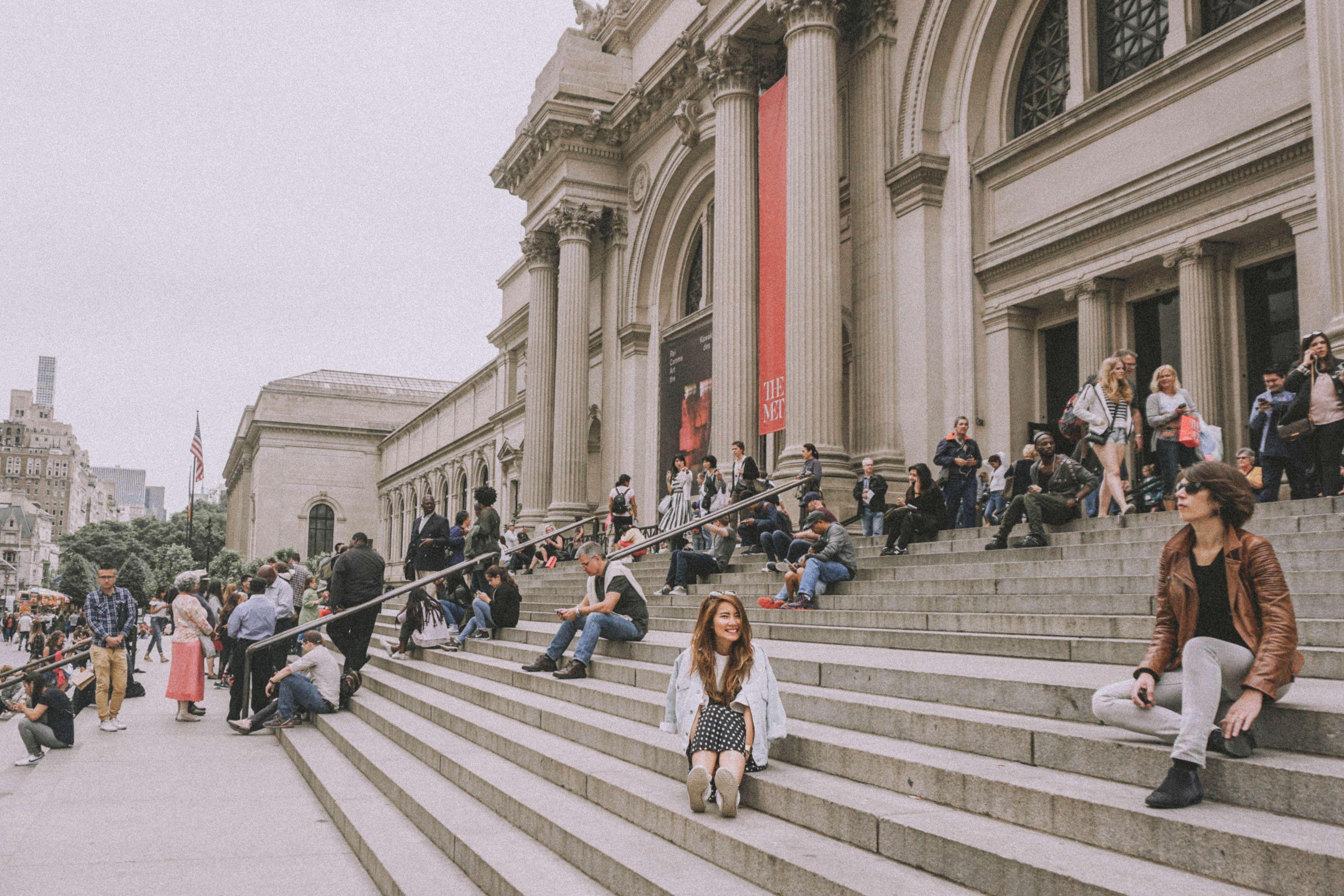 The Met Steps