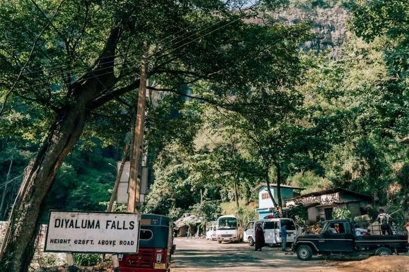 Diyaluma Falls-19